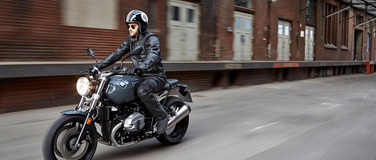 MAKE LIFE A RIDE.: BMW Motorrad R nineT Pure
