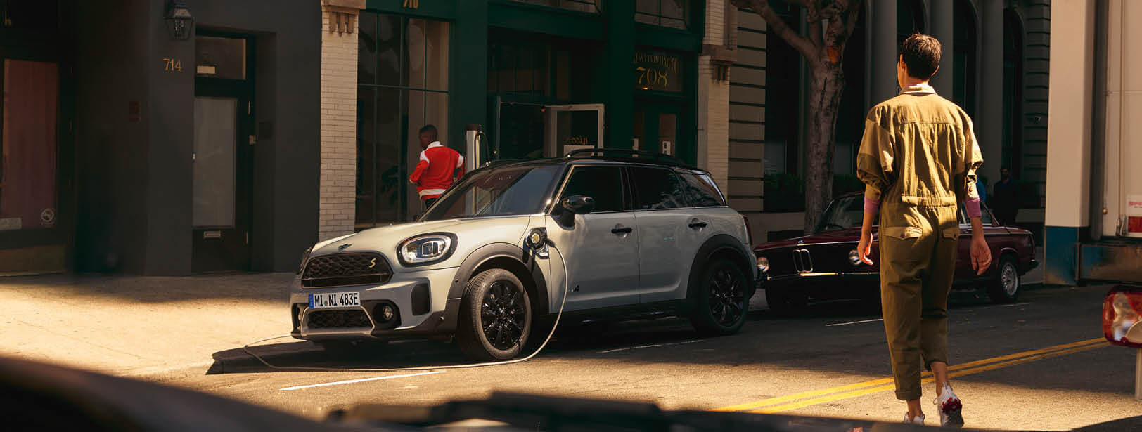 DER MINI COOPER SE ALL4 COUNTRYMAN.: STADT. LAND. STROM.